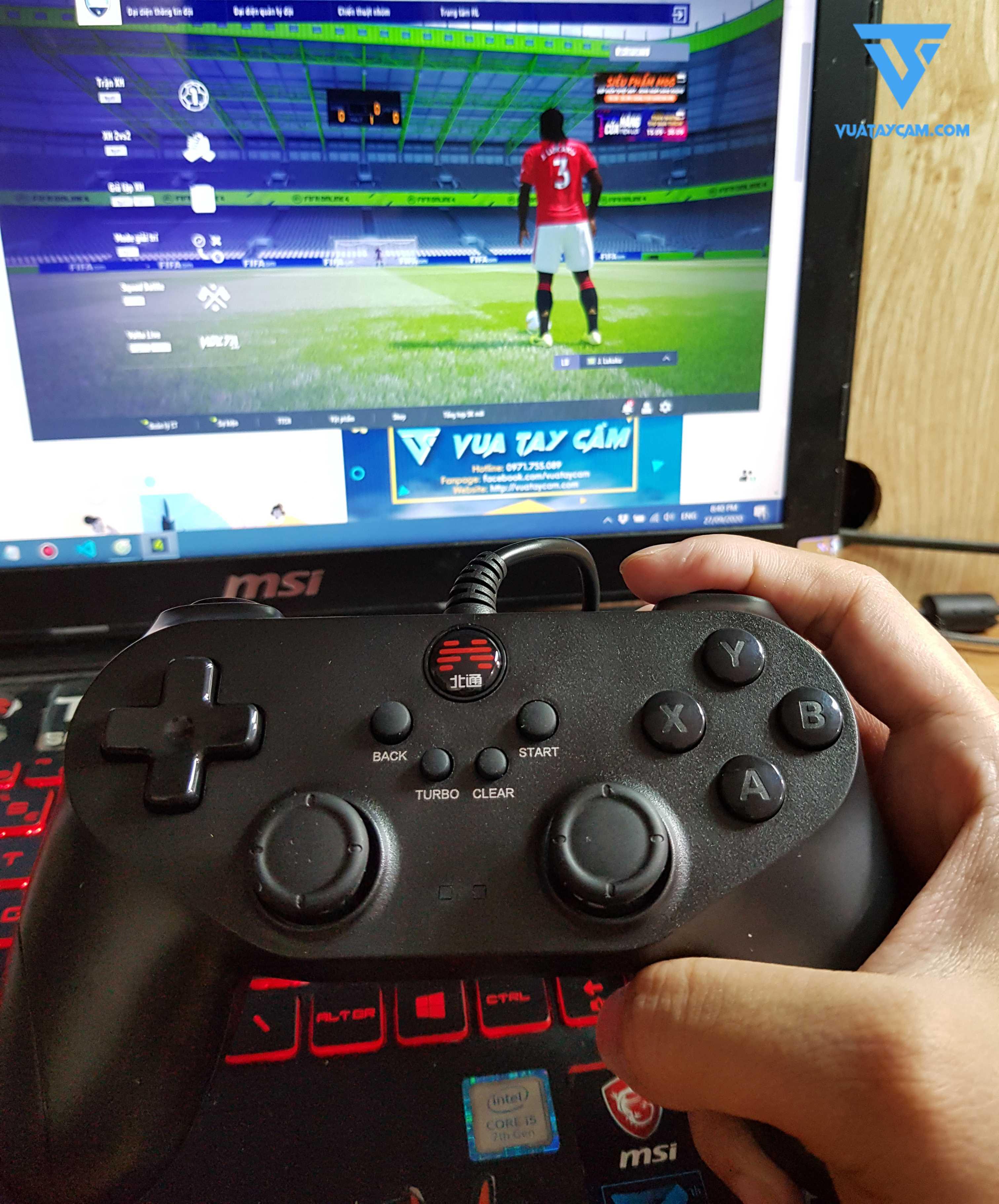 https://api.vuataycam.com/file/1602868355423-770358682-Tay-cam-choi-game-betop-1.jpg